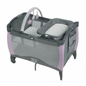 Graco- Corralito Pack and Play Portable Seat and Changer Camila